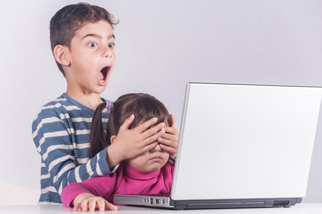 Ребенок смотрит порно. Как реагировать?