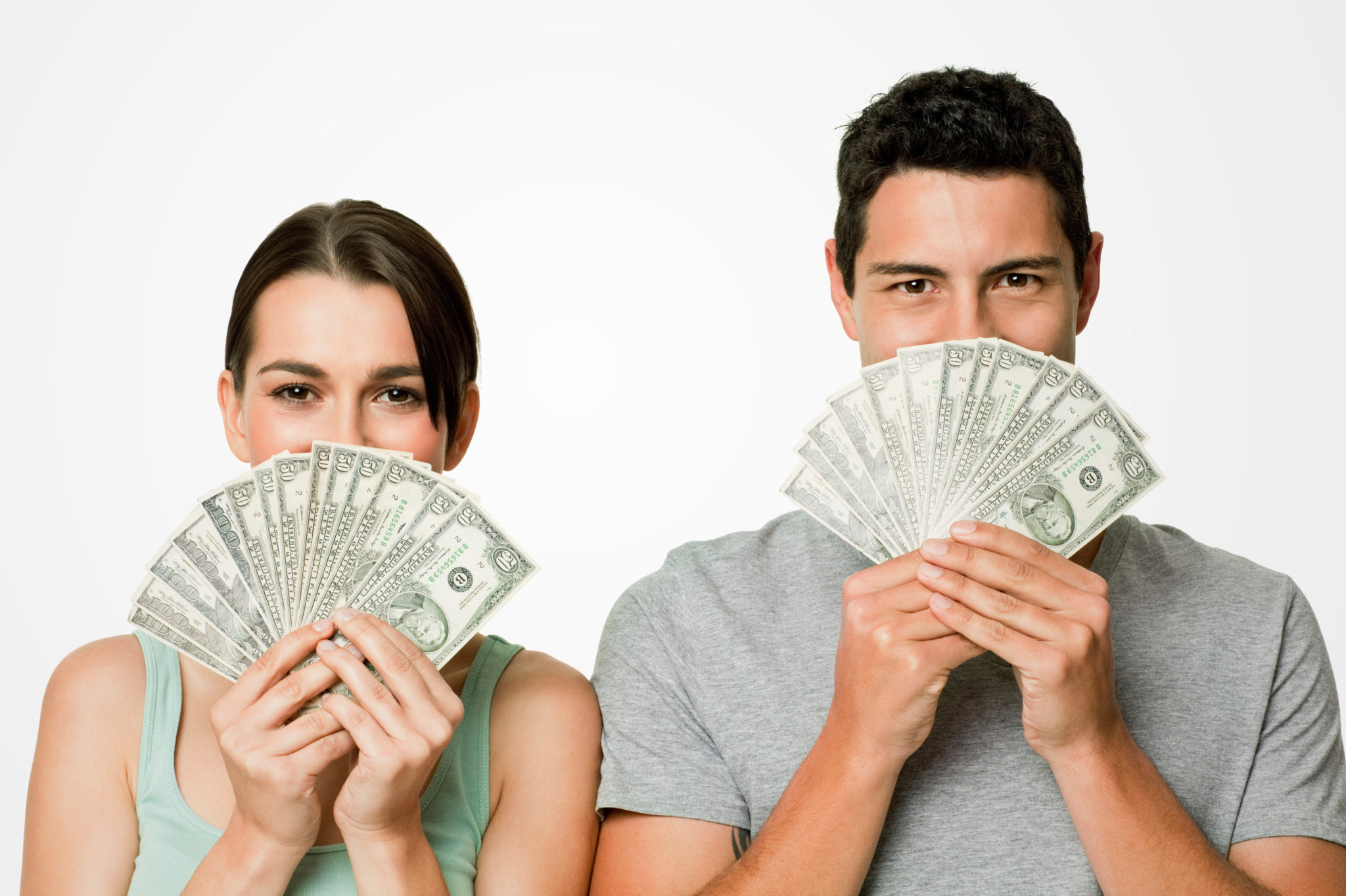 парень постоянно занимает деньги